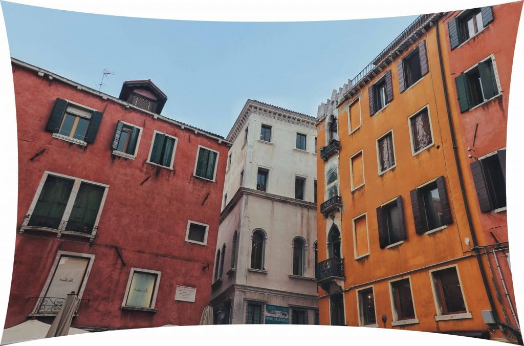 How to fix Image Distortion colorful buildings