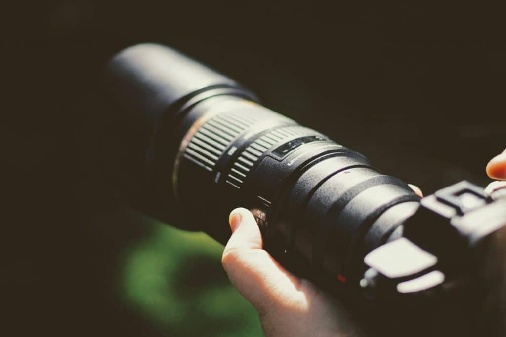 Camera with zoom lens - Prime vs Zoom Lens