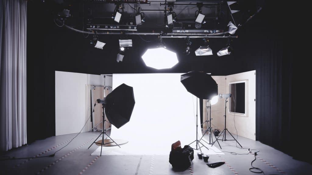 Umbrella lighting vs softbox in studio