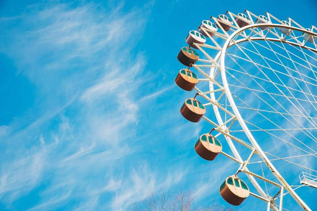 Ferris wheels - Color Temperature in Photography